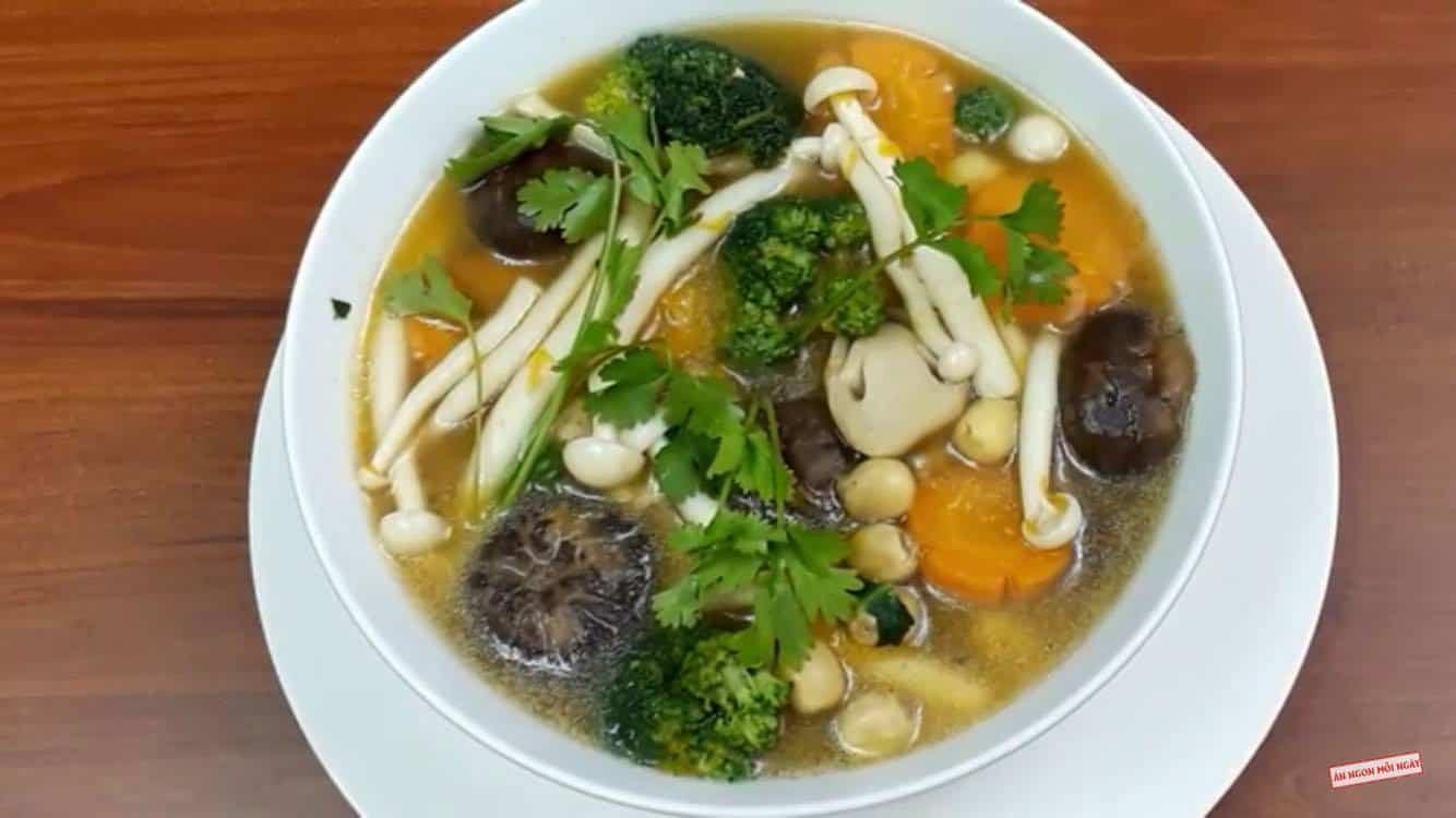 Canh nấm hạt sen chay ngon bổ dưỡng dễ làm