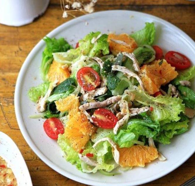 cach-lam-salad-ga-thom-ngon-cho-ngay-cuoi-tuan