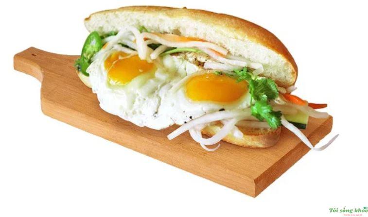 cach-lam-banh-mi-sandwich-trung-op-la