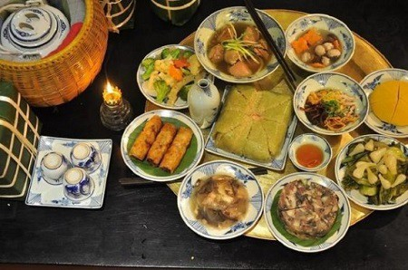 typical-dishes-on-a-tray-of-tet-festival-in-the-north